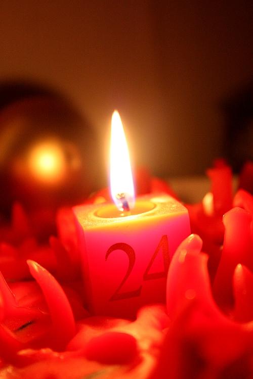 An den Beitrag angehängtes Bild: http://my-lyra.de/images/weihnachten2.jpg
